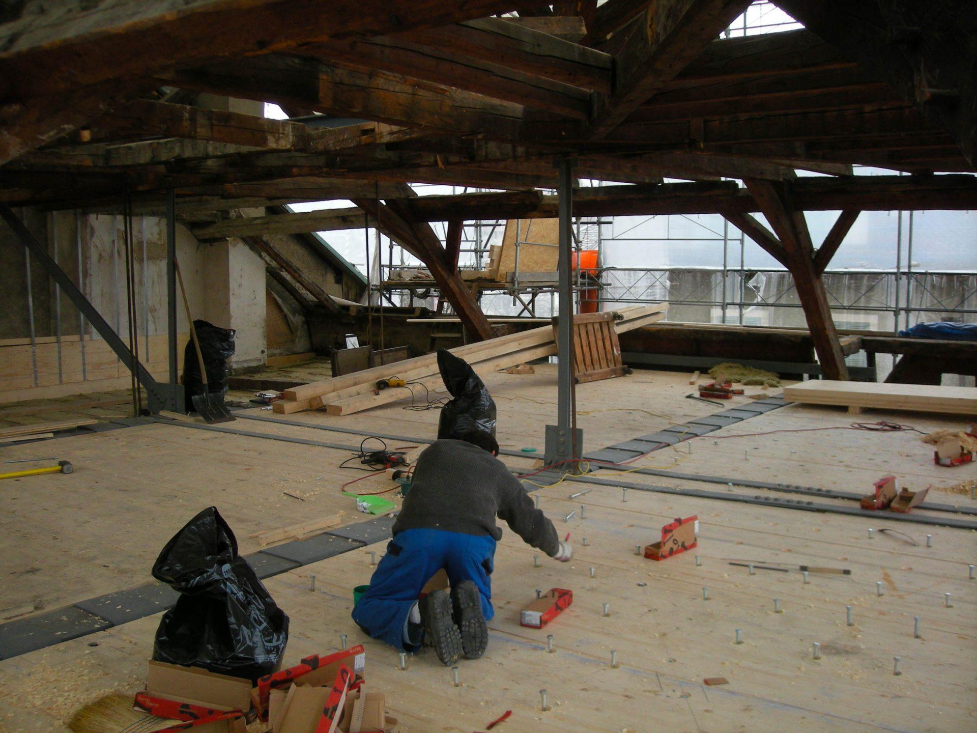 Rénovation de la charpente du bâtiment à la rue René Louis Piachaud