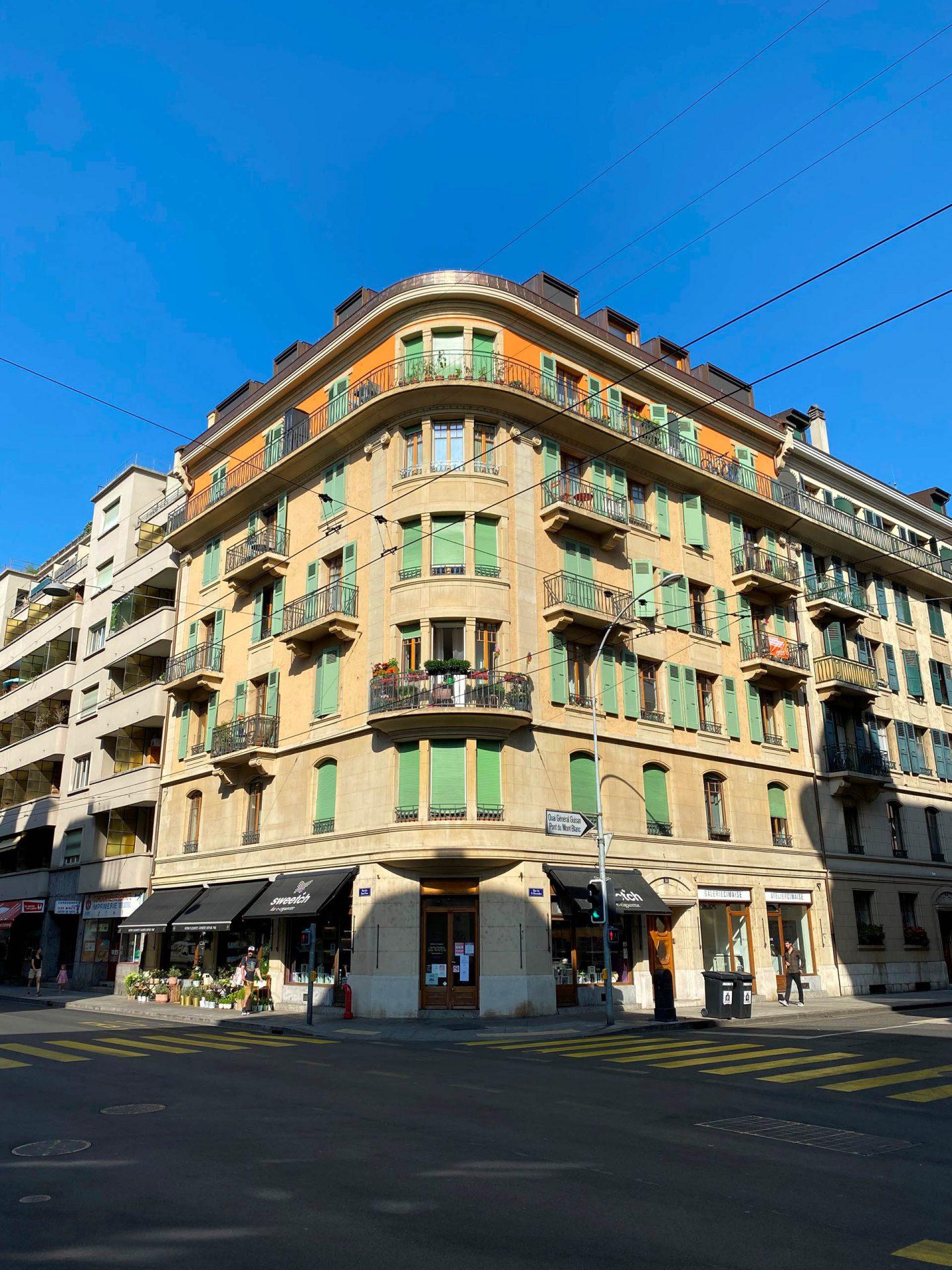 Facçade de l'immeuble d'habitation à la rue du 31 décembre